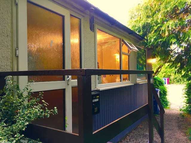 Room in Treetops ,original bungalow in the heart