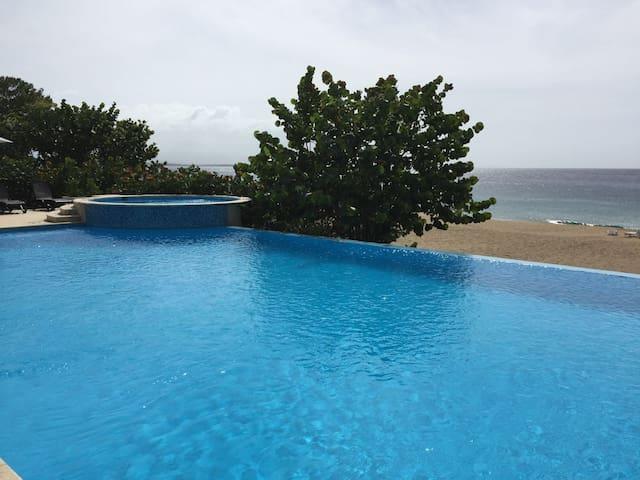 2 Bedroom Oceanfront Paradise - Sosúa - Apartament