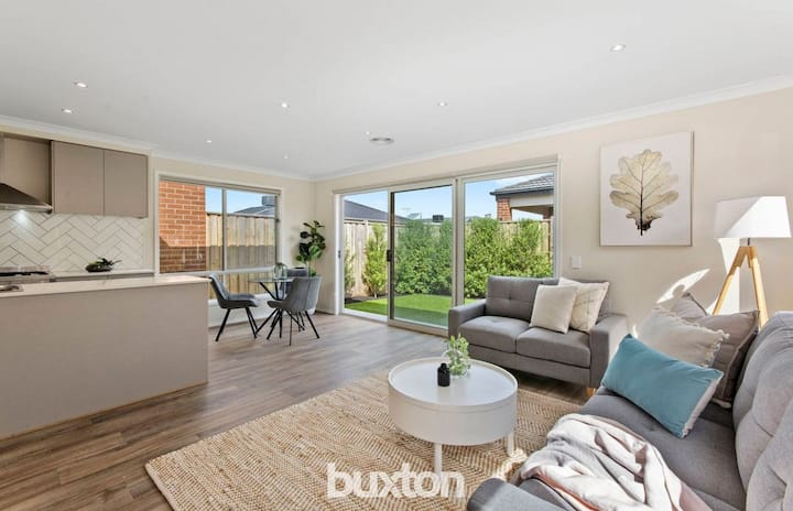Beautiful, new home! Close to Barwon Heads/Torquay