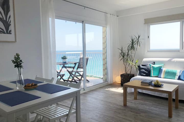 SEA VIEW APARTMENT with 2 POOLS FULLY EQUIPPED 4PP