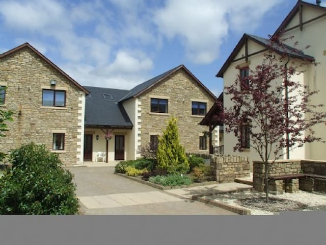 WHITBARROW HOLIDAY VILLAGE TROUTBECK (5), Nr Ullswater - Ullswater - Huis
