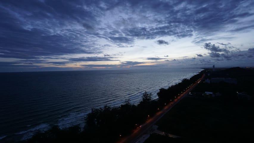 1 BR Beachfront with Stunning View Near Koh Samet - Tambon Phe - Condominium