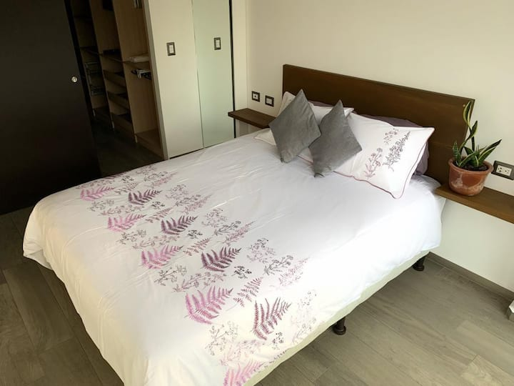Modern, clean and bright apartment near to Cayalá!