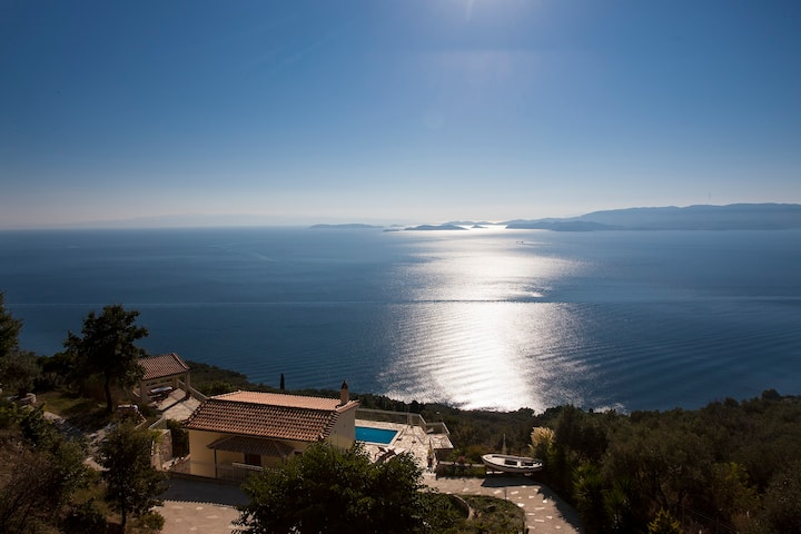 Villa Aigaio: Pool, sea Views ,Wifi- No Neighbour