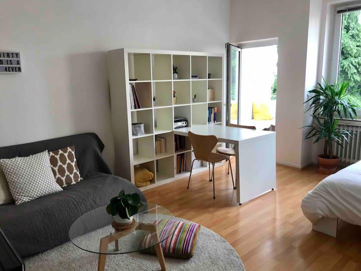 Central & bright Studio in Düsseldorf