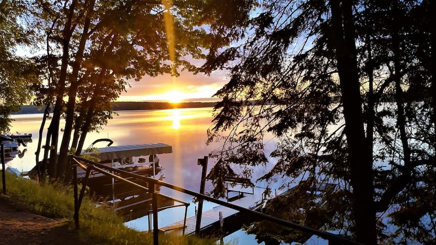 Rustic Northwoods Cabin on Big Arbor Vitae Lake