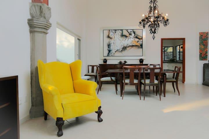 Hermosa Casa de un nivel con alberca