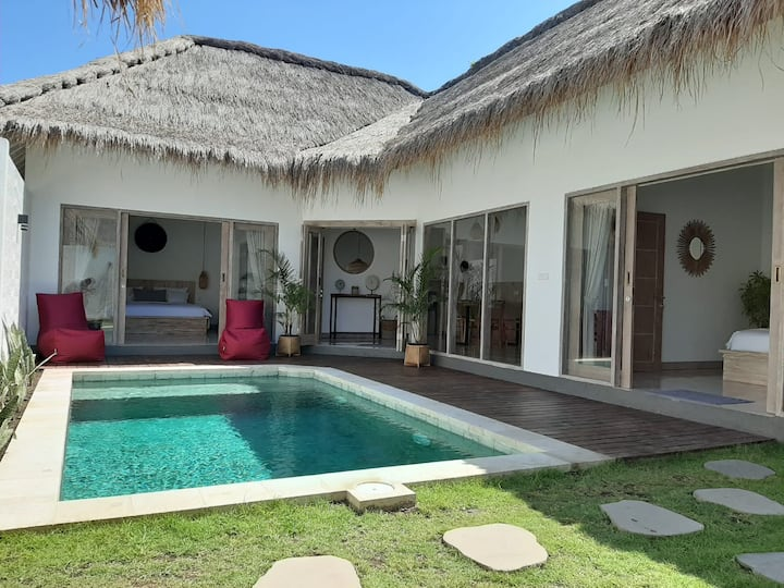 Villa Kayu : New 2 BR Villa Private Pool (Deluxe).