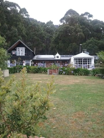 Private comfortable self contained accommadation - Sheffield, Tasmania, AU - Bed & Breakfast