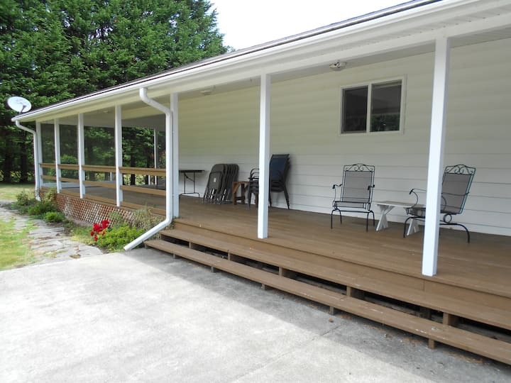 Willapa Bay Front Home On Long Beach Peninsula!