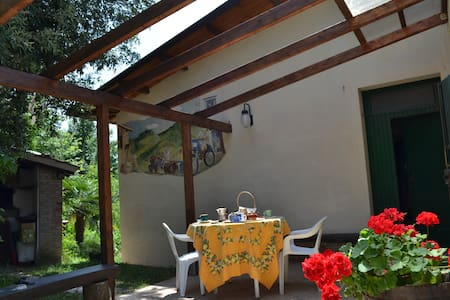 B&B Nido d'Ape:Camera Rock - Montepetra - Bed & Breakfast