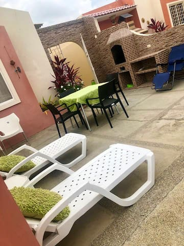 Casa en Urbanización frente al mar y Club Social
