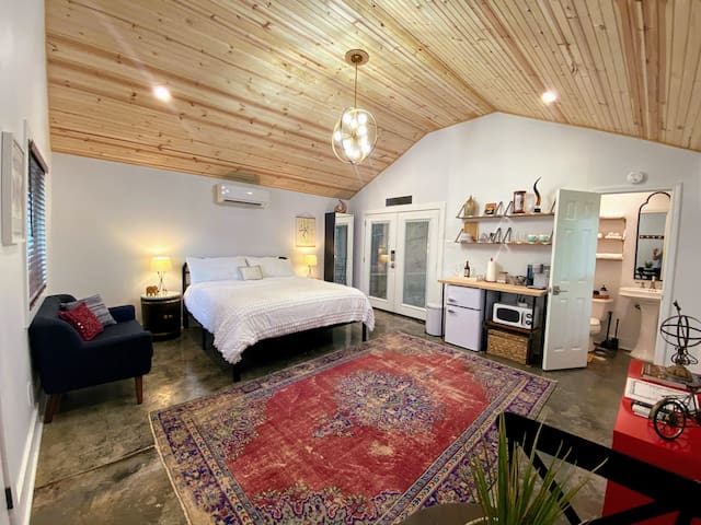 Private Guesthouse - Heart of Virginia Highland