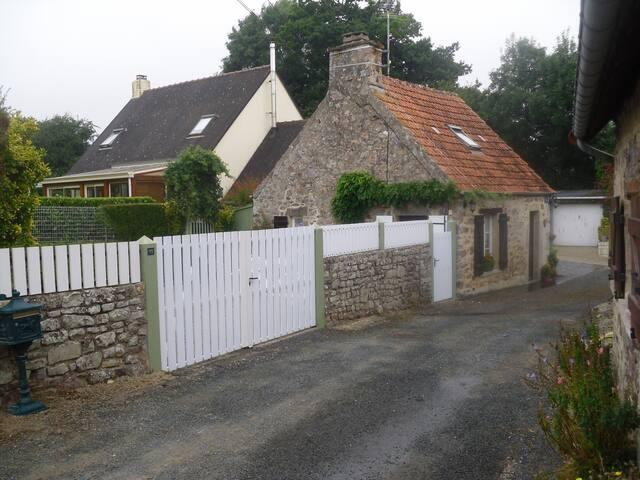 Gîte à 2 kms de la mer - Lestre - บ้าน