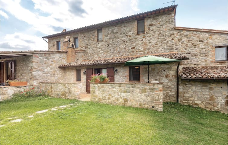 Holiday apartment with 2 bedrooms on 70m² in Todi PG