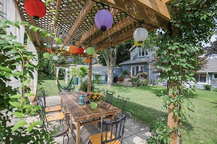 Queenston Cottage- Close to Niagara Falls and NOTL