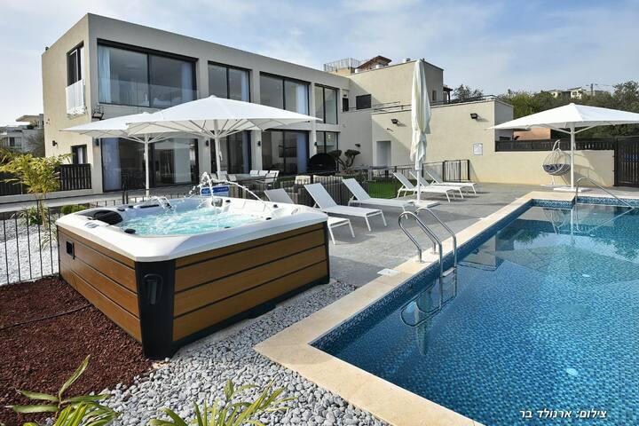 Villa J Noble