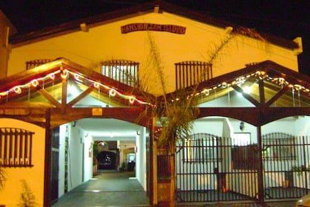 Mansión San Isidro. Departamento para 5 personas - Santa Teresita