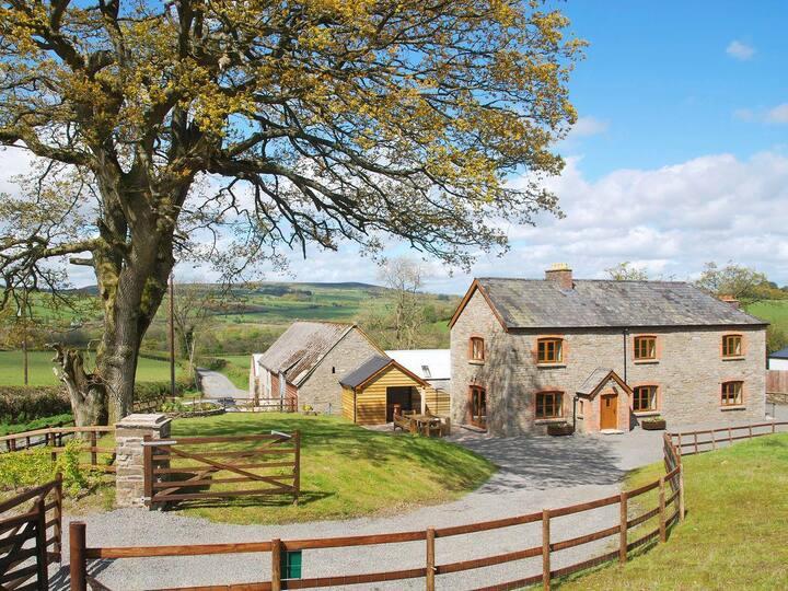 Pentre Mawr Farmhouse