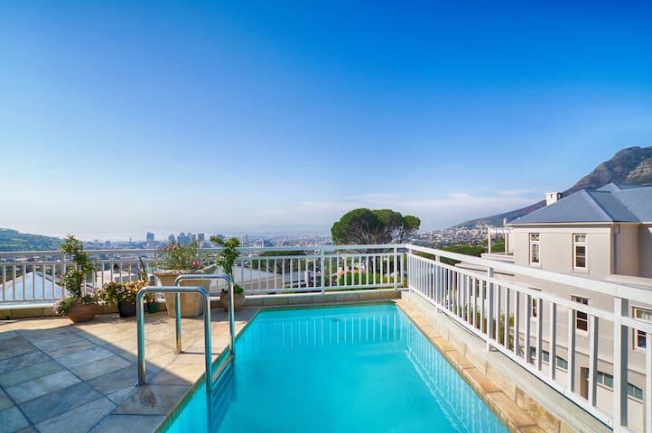 Table Mountain Splendour - Bedroom 3