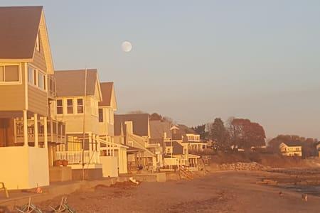 Beach House-Melba Street - Milford - Huis