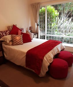 Comfy room in kloof - Kloof - Hus
