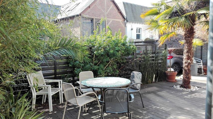 Maison avec terrasse au calme, en hyper-centre - Rennes - House
