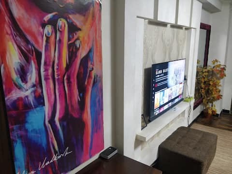 "HIP Studio""The Love of Isloo""+Wifi+Netflix+SmartTv"