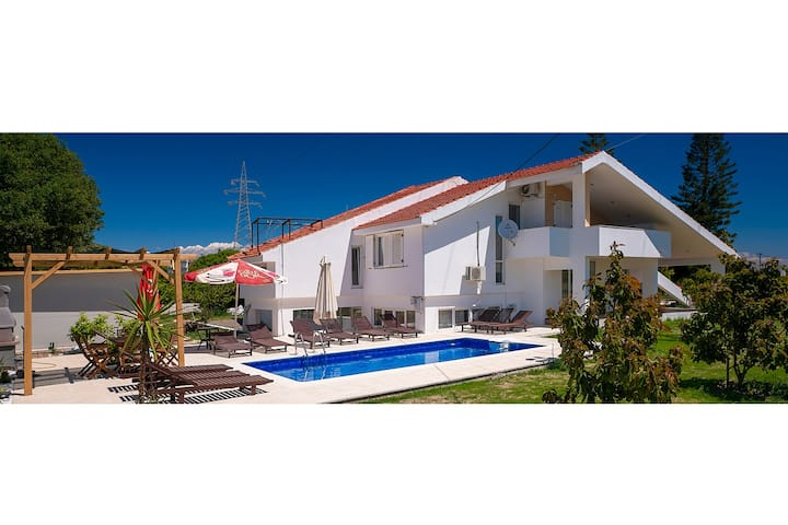 Villa with private pool in Rhodes town