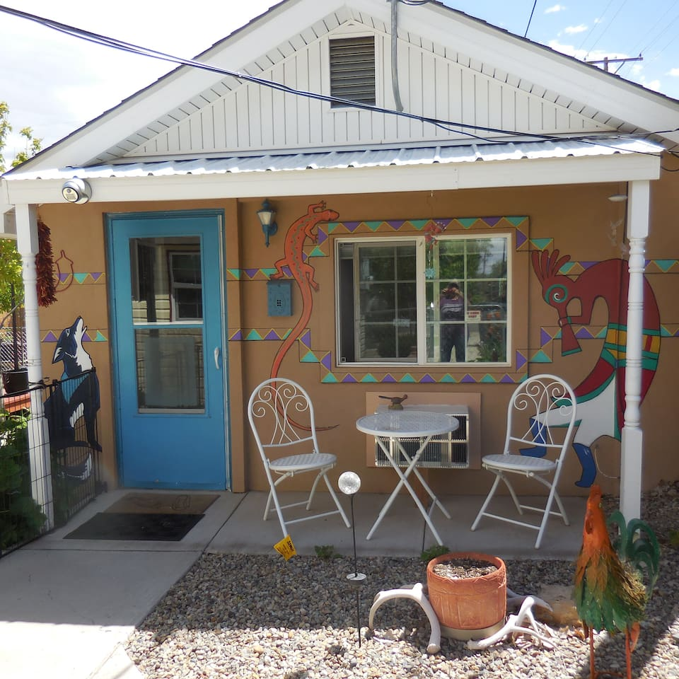 This year we had a young artist paint some Southwestern designs on the house. We hope you find them interesting. Separate completely renovated guesthouse with everything you would need. W/D, dishwasher, high-speed internet, Netflix, & cable tv.