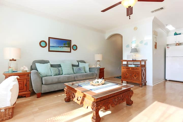 CARIBBEAN BLUE 1 bdr condo steps from the beach.