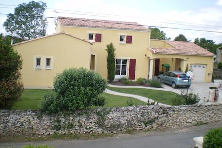 Maison proche Marais poitevin - Villiers-en-Plaine - 独立屋