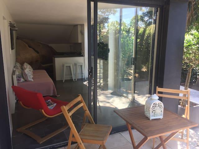 Tamarama studio apartment - Bronte - Pis