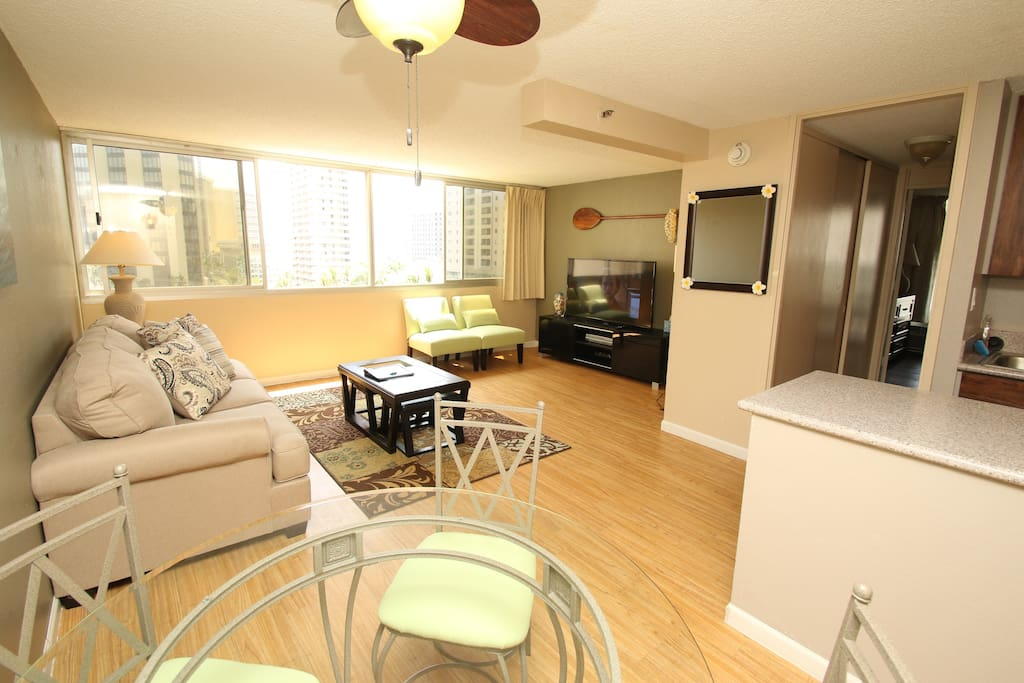 Spacious 1 Bedroom With Huge Lanai Apartments For Rent