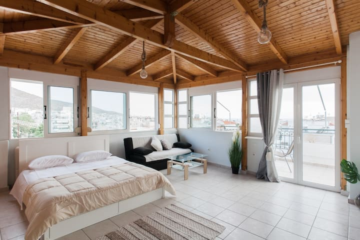 Cosy penthouse in Glyfada,Athens.