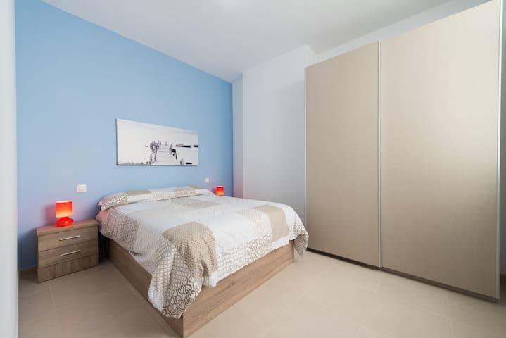 dormitorio principal. Exterior y Luminoso.