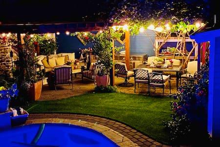 Your own Petaluma West Side Shangri-La w/ pool/spa