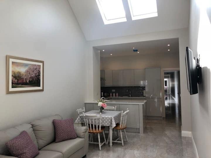 Newley refurbish 4 Bedroom House.