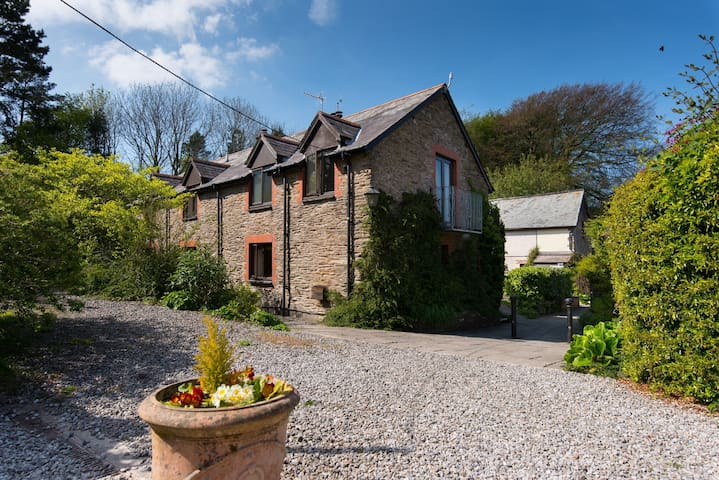 Dog friendly cottage sleeps 5 with pool near Combe Martin
