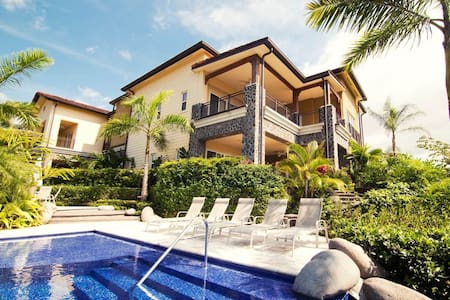 Catalinas Penthouse - 3BR Condo +  #2B