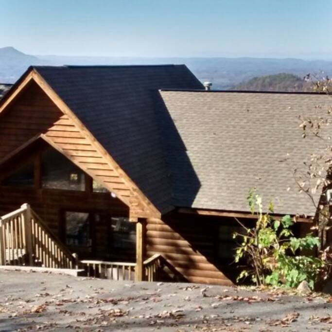 Eagles 39 spread cabins for rent in sevierville tennessee for Eagles view cabin sevierville tn