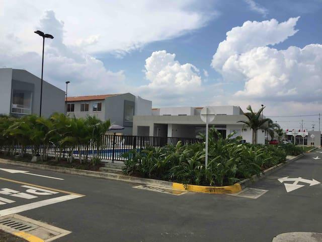 Hermosa casa  condominio Campestre Ciudad Country
