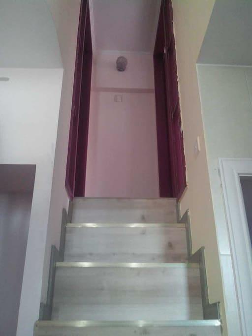 Loft小复式设计,两个房间在上层