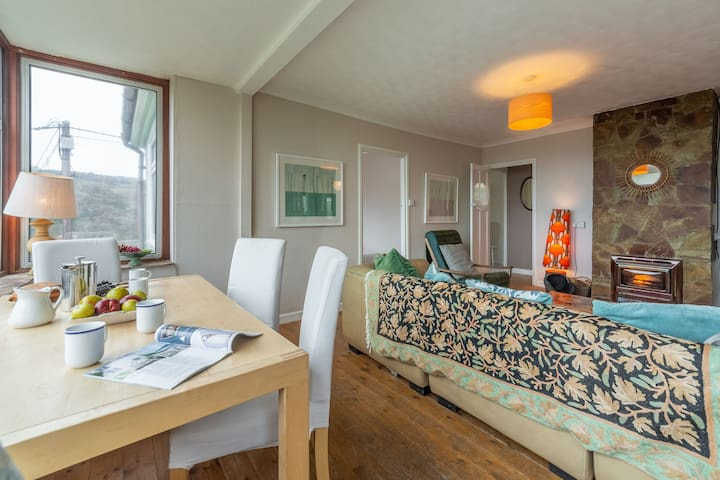 Ground floor:  Sitting room with dining area and wonderful views