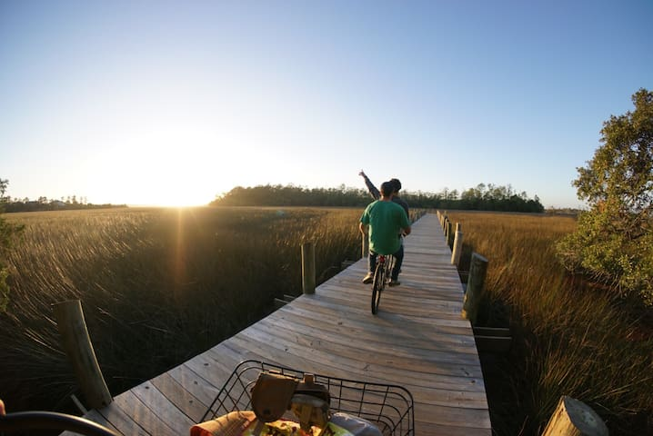 Walk to Shem Creek! & Bike to BEACH - Mount Pleasant - Casa