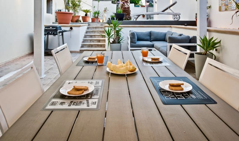 Enjoy your breakfast or lunch outside