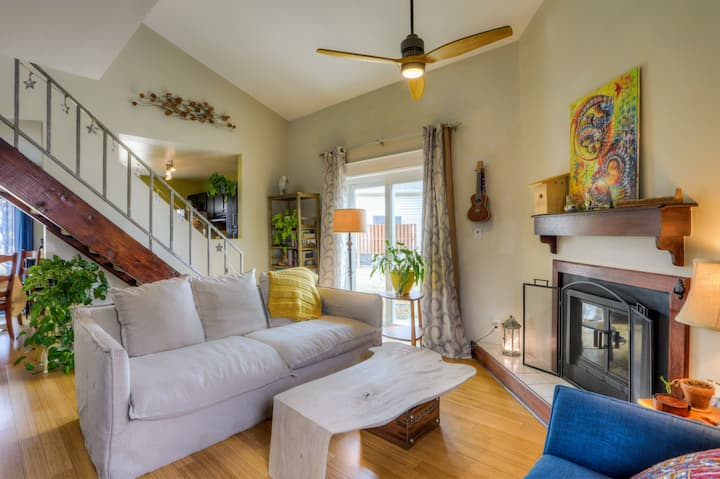 Light-filled, Calm & Eclectic in North Boulder