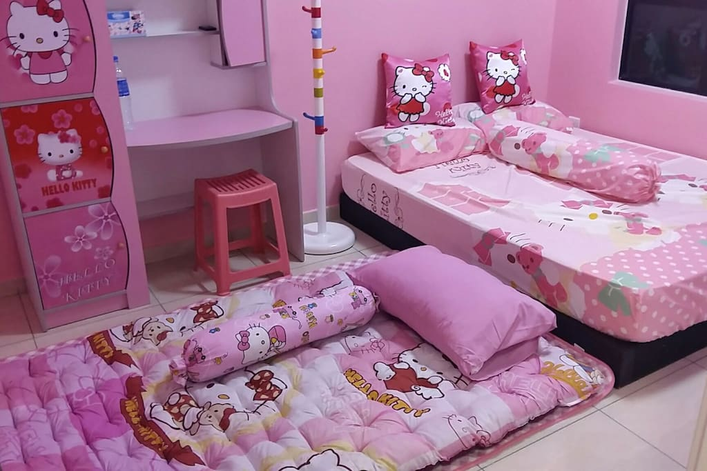 Hello Kitty Room that sleeps 4 persons