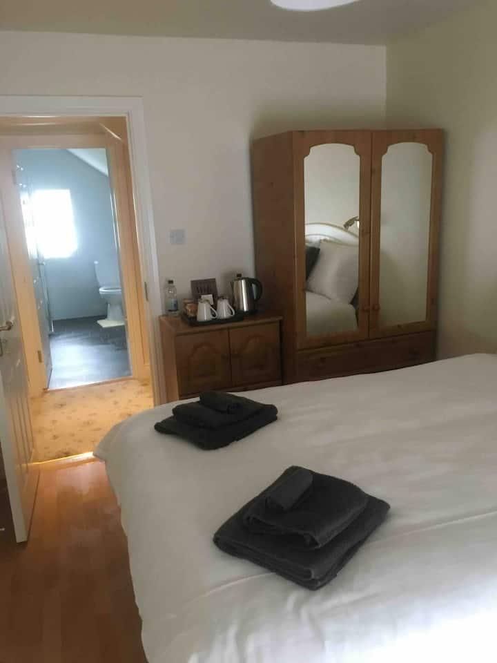 Cashelard B & B, Glencolumbkille. Double Room