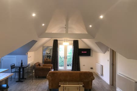 The Loft At Ingham Lodge - Luxury Living